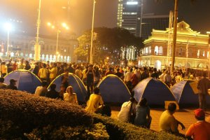 Malaysian students occupy Dataran Merdeka